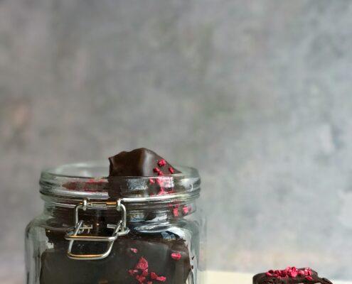 skumfiduser med kirsebær og chokolade
